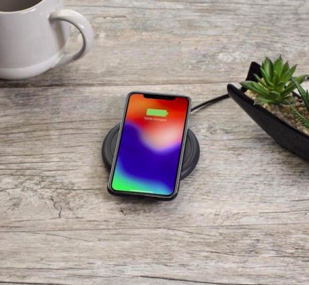 mophie-wireless-charger-4-450x415